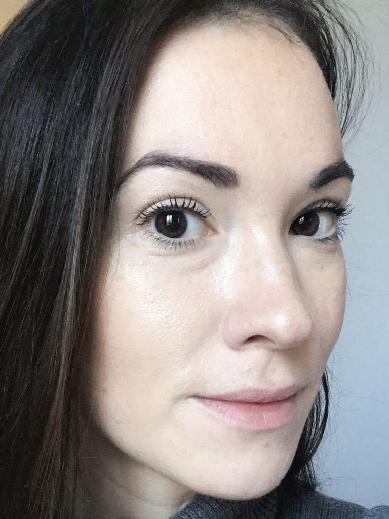 Cils avec mascara naturel et bio
