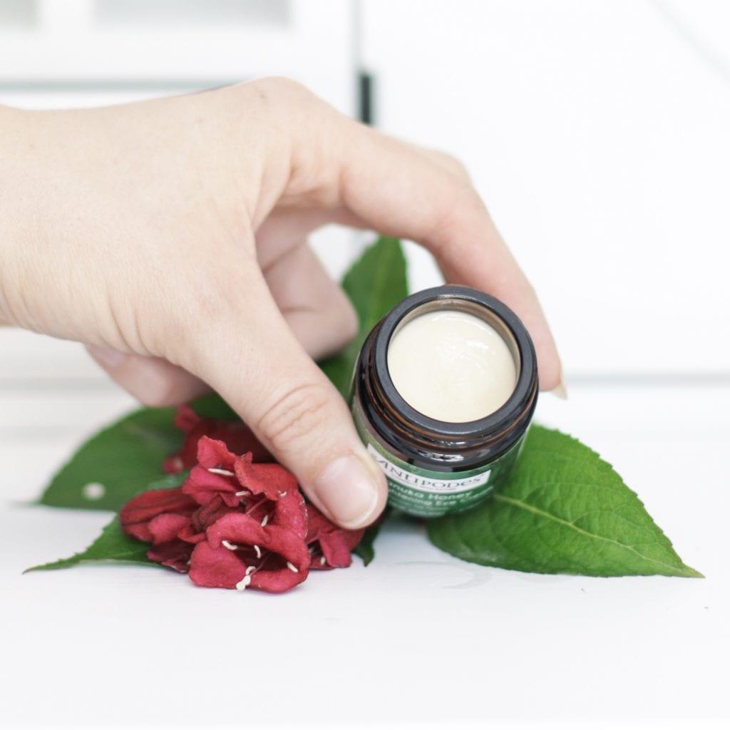 Crème hydratante pour le contour de l'oeil