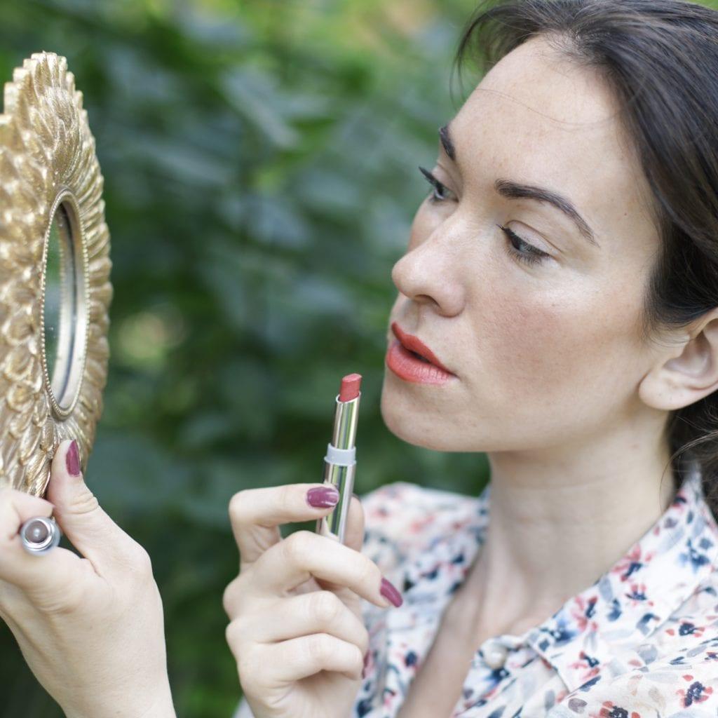 maquillage naturel Lavera Rouge à lèvre Brillant Care