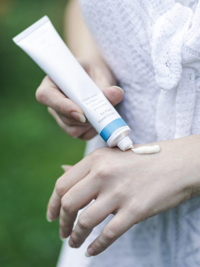 dr hauschka crème pour les mains à ficoïde à cristaux