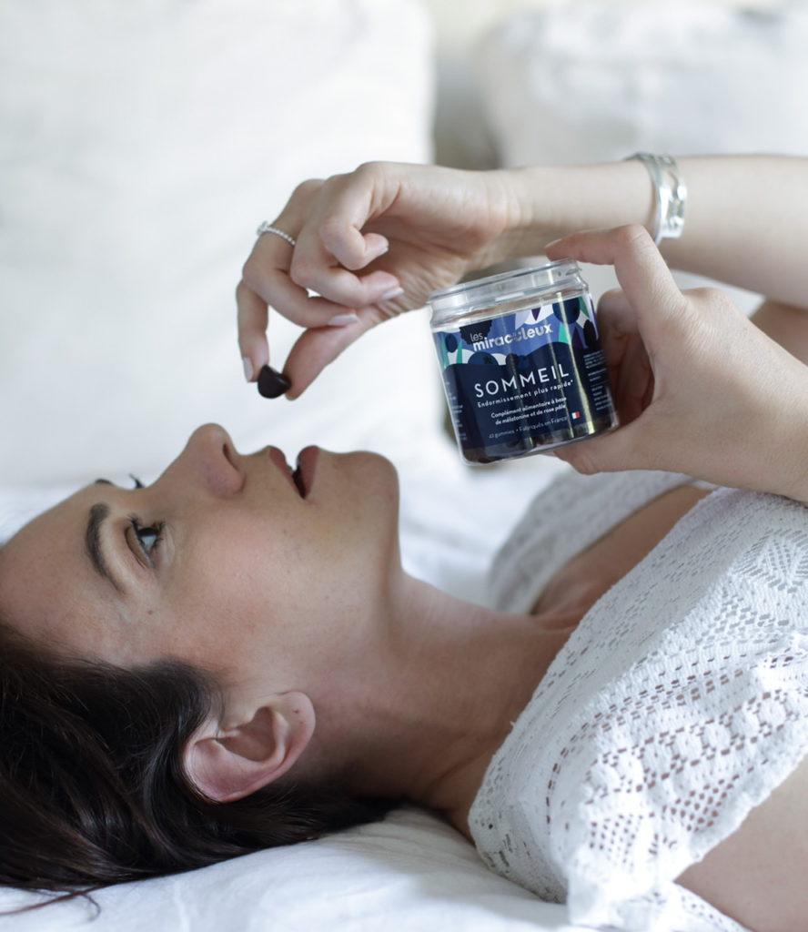 est-ce qu'il faut prendre de la mélatonine pour s'endormir facilement ?